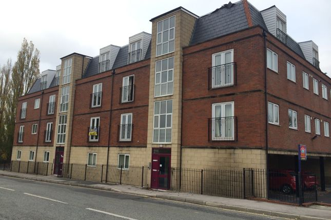 Thumbnail Flat to rent in North Road, St. Helens