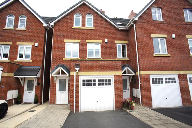 Thumbnail Town house to rent in Bridge Meadow, Lymm