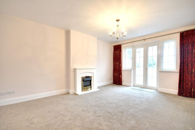 Thumbnail Flat to rent in Kingsend Court, Kingsend, Ruislip, Middlesex