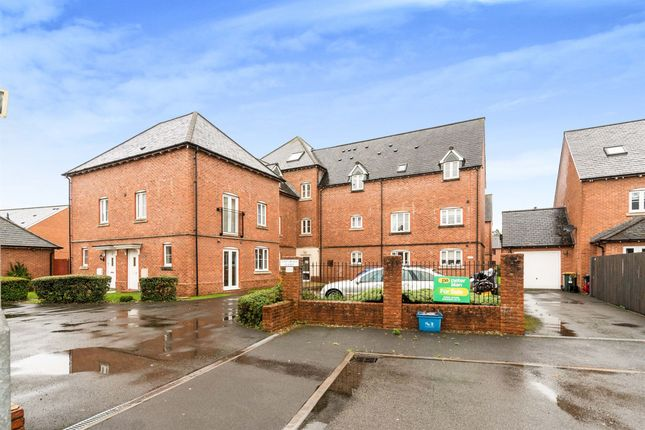 3 bed flat for sale in Jamaica Circle, Coedkernew, Newport NP10