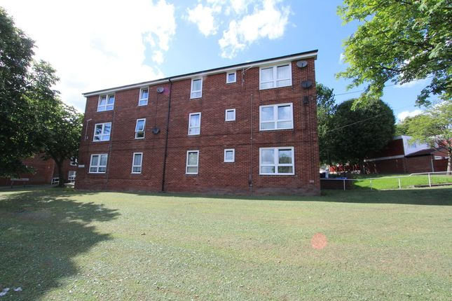 Thumbnail Flat to rent in Hollinsend Road, Sheffield