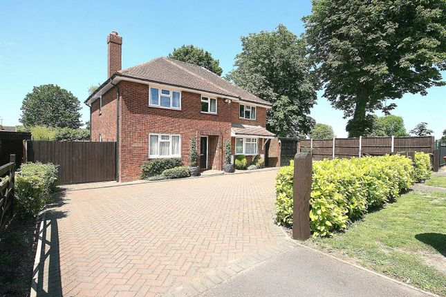Thumbnail Detached house for sale in Brewers Hill Road, Dunstable, Beds