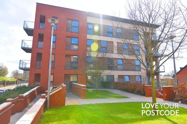 2 bed flat to rent in Bell Barn Road, Birmingham City Centre