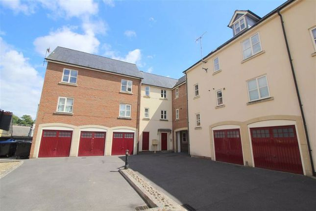 Thumbnail Flat to rent in Chapel Mews, Chippenham, Wiltshire