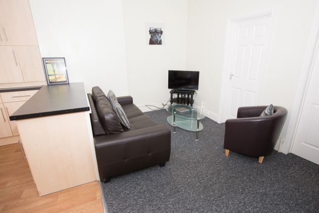Thumbnail Triplex to rent in Ecclesall Road, Sheffield