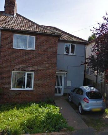 Thumbnail Terraced house to rent in Cliffe Road, Brampton, Barnsley