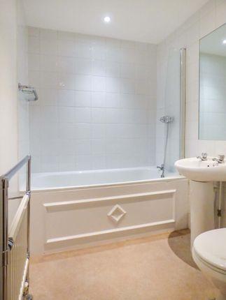 Bathroom of Caxton Court, Bath City Centre BA2