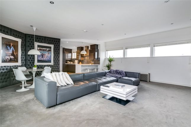 2 bed flat for sale in Regal Building, 75 Kilburn Lane, London