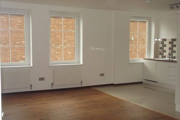 Thumbnail Flat to rent in Duke Street, Luton
