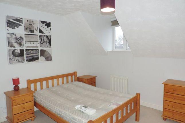 Thumbnail Room to rent in Rm 3, Commons Drive, Hampton, Peterborough