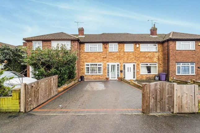 Thumbnail Terraced house for sale in Fairoak Gardens, Romford