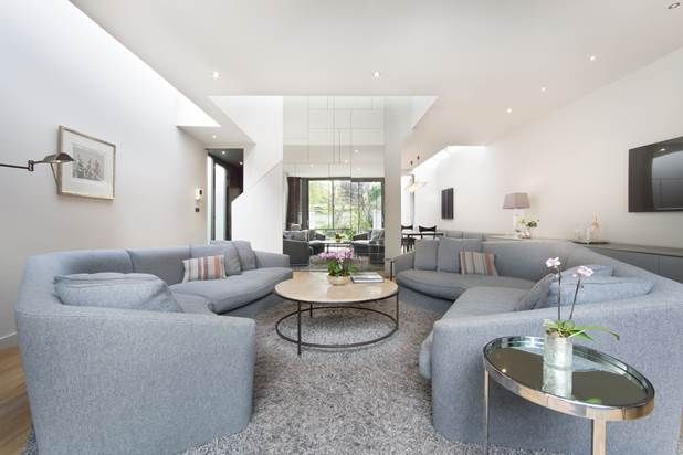 Thumbnail Property to rent in Hayden's Place, London