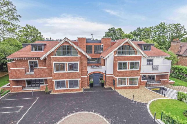 Thumbnail Flat for sale in Penn Road, Beaconsfield