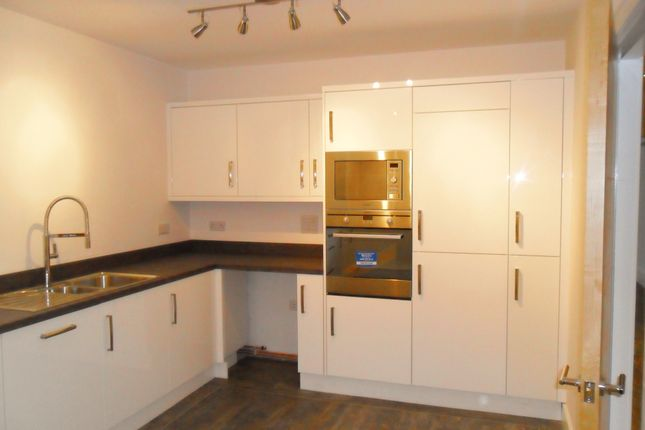 Thumbnail Flat to rent in Ashley Court Cannon St, Hyde