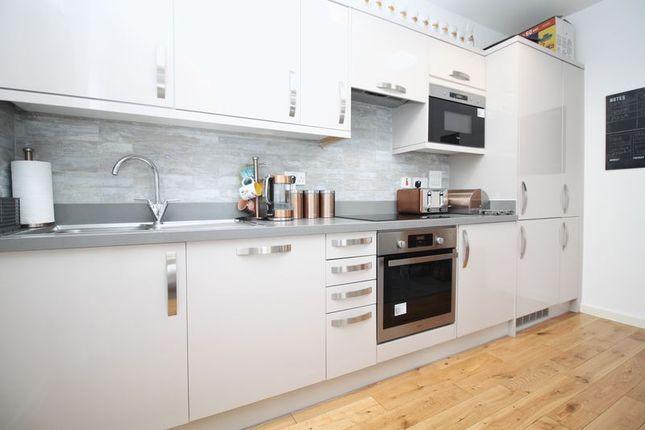 Kitchen of Peartree Avenue, Southampton SO19
