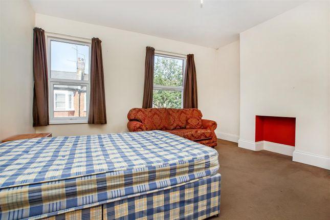 Bedroom of Huddlestone Road, Willsden Green, London NW2