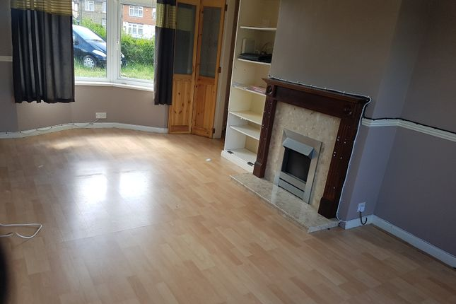 3 bed end terrace house to rent in Verney Road, Dagenham, London