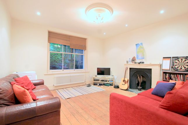 Thumbnail Flat to rent in Altenburg Gardens, Clapham Junction, London