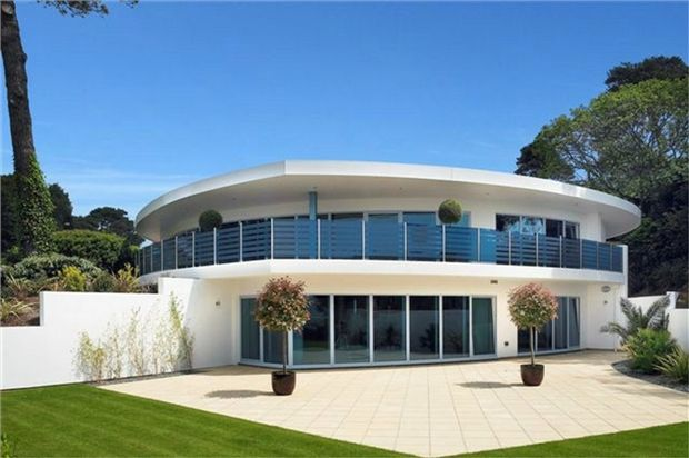 Thumbnail Flat for sale in Haven Road, Sandbanks, Poole, Dorset