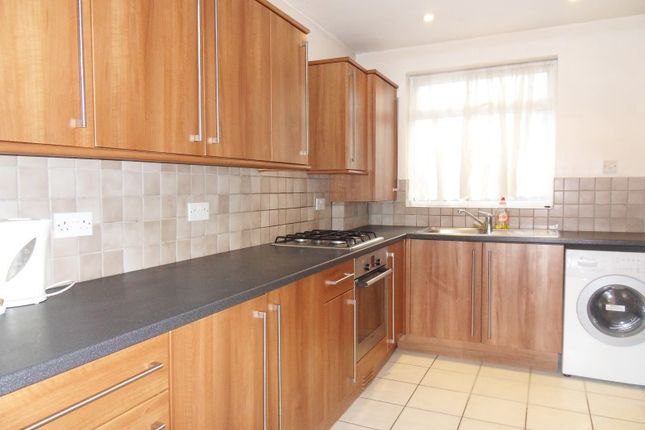 3 bed terraced house to rent in The Loning, Enfield