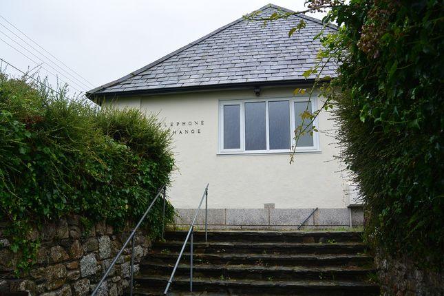 Thumbnail Detached bungalow to rent in Helston Road, Penryn
