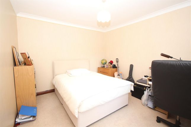 Bedroom 2 of New Road, Twyford, Reading RG10