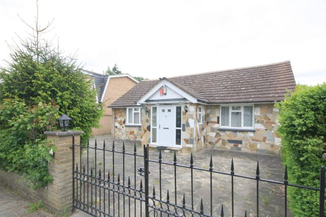 Thumbnail Detached bungalow to rent in Riverside, Wraysbury, Staines