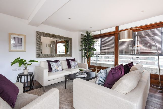 Thumbnail Flat for sale in Frobisher Crescent, Barbican