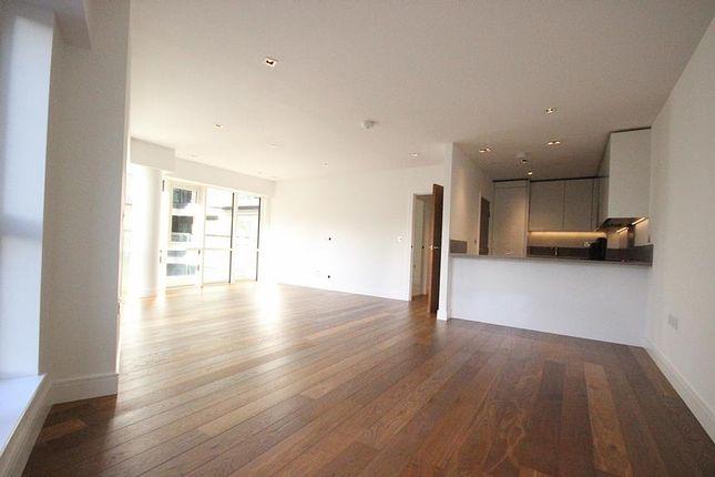 Thumbnail Flat to rent in Skyline House, Dickens Yard, Longfield Avenue, London