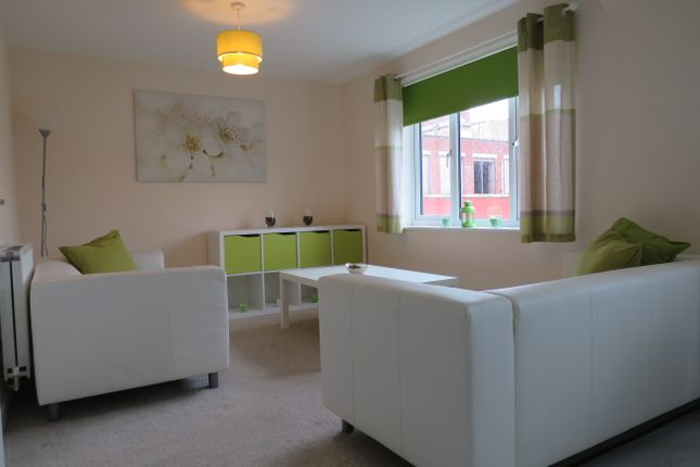 Thumbnail Flat to rent in Childer Close, Coventry