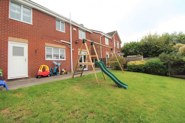 Garden of Glenwood Close, Radcliffe, Manchester M26