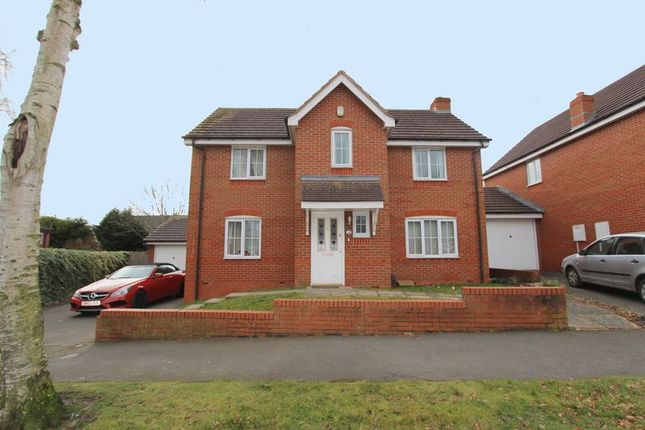 Thumbnail Detached house to rent in Fernbank Crescent, Walsall