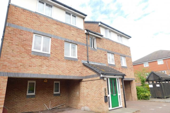 Thumbnail Property to rent in Frensham Close, Southall