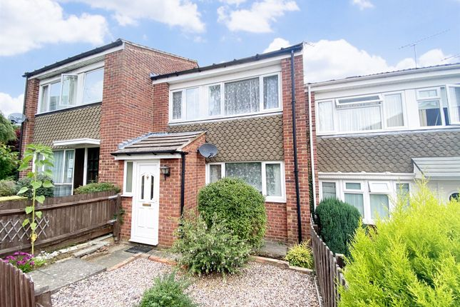 Thumbnail Terraced house for sale in Knaves Hill, Linslade, Leighton Buzzard