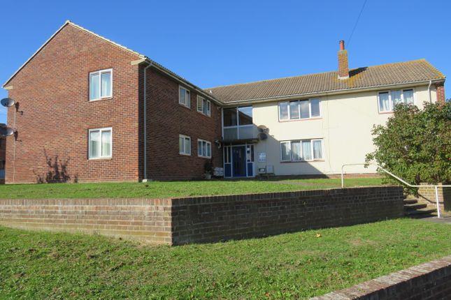 Thumbnail Flat to rent in Laxton Road, Taunton