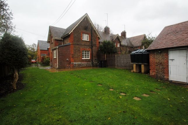 Thumbnail Cottage to rent in Blenheim Road, Shirburn, Watlington