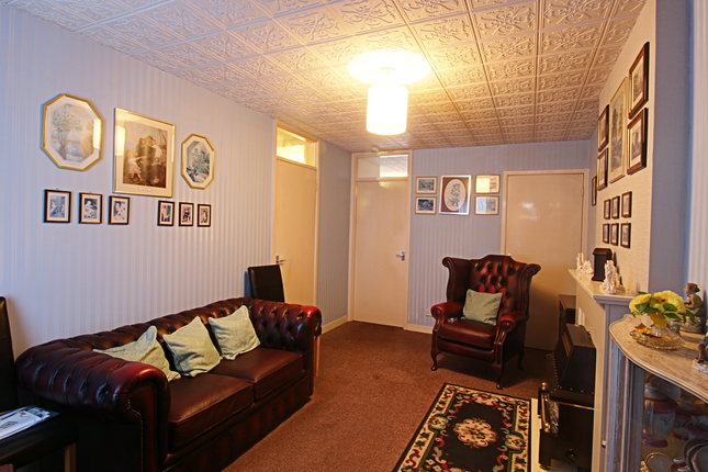 Living Room of Montgomery Way, Liverpool L6