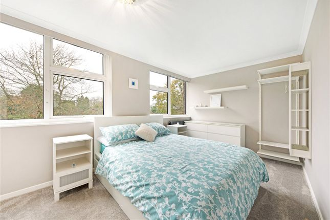 Picture No. 15 of Silver Tree Close, Walton-On-Thames, Surrey KT12