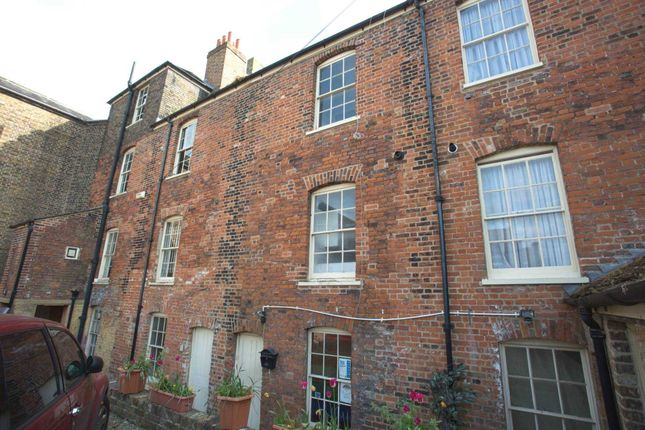Thumbnail Flat to rent in High Street, Rochester, Kent