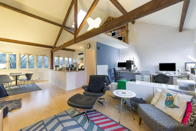 Thumbnail Flat for sale in Cobourg Street, London