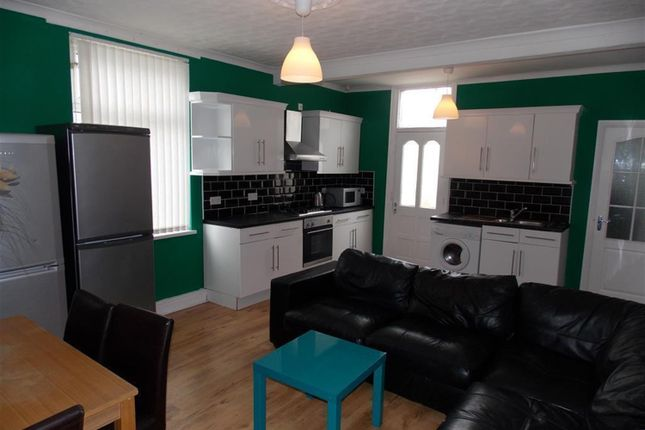 Thumbnail Shared accommodation to rent in Wellesley Road, Middlesbrough