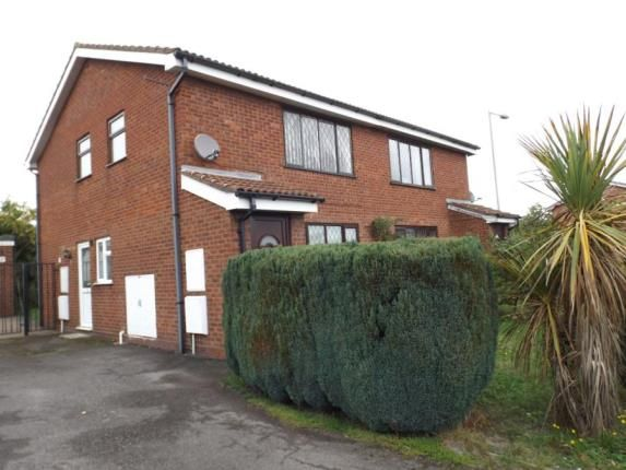 Thumbnail Maisonette for sale in Sandalwood Close, Willenhall, West Midlands
