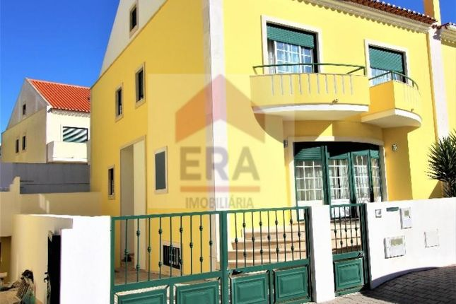 Thumbnail Semi-detached house for sale in Peniche, Peniche, Peniche