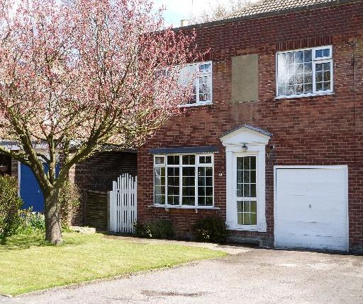 Thumbnail Town house to rent in Ashgarth Court, Harrogate