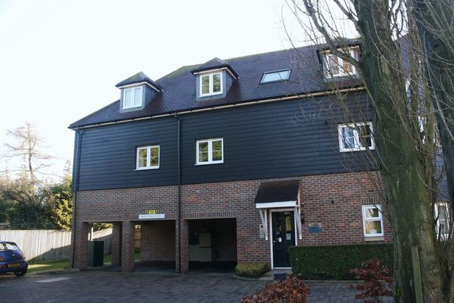 Thumbnail Flat to rent in Chairmakers Close, Princes Risborough
