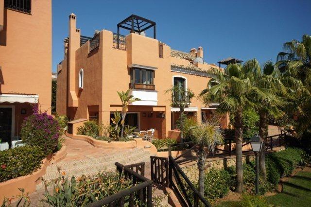 Spain, Málaga, Marbella, Bahía De Marbella