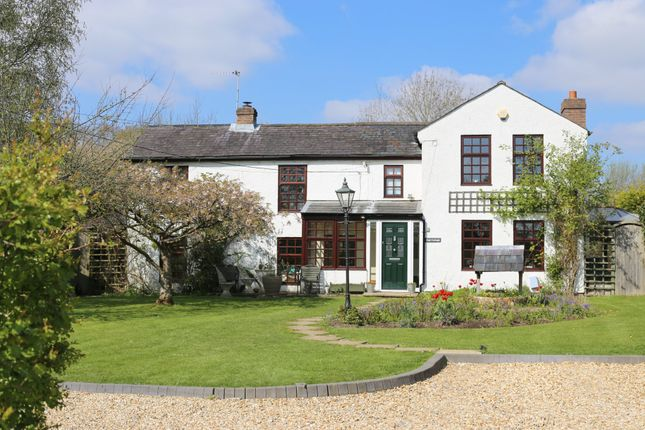 Thumbnail Detached house for sale in Little Bull Lane, Waltham Chase, Southampton
