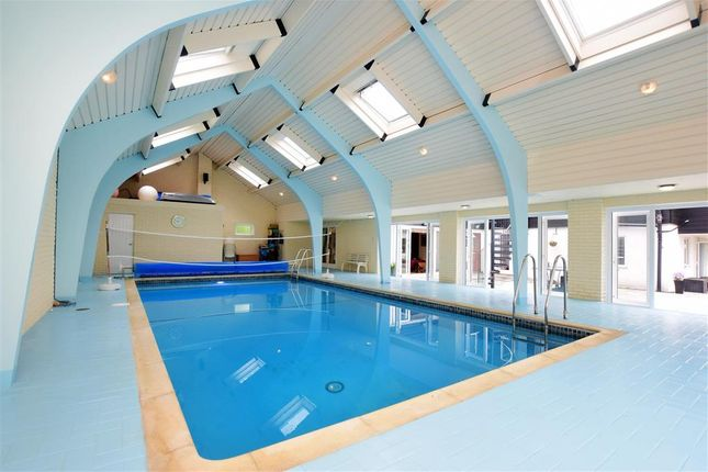 Swimming Pool of Yalding Hill, Yalding, Maidstone, Kent ME18