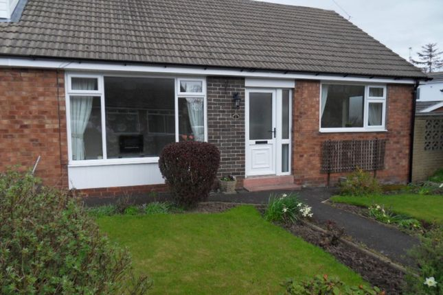 Thumbnail Bungalow to rent in Rutland Avenue, Freckleton, Preston