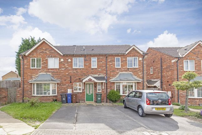 Thumbnail Town house to rent in Eastwell Grove, Barnsley